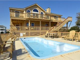 """About Time"" Pool, hot tub, walk to beach & shops, Corolla"
