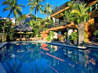 Stunning 9 BR beach front House in Conchas Chinas, the best location !