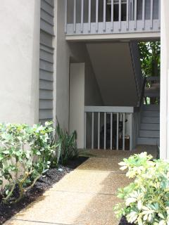 set of 6 stairs to landing where front door is located
