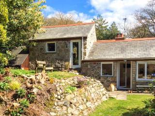 WALDEN POND, stone cottage, garden, woodland setting, close to Par Ref 17175