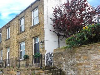 CANALSIDE COTTAGE, woodburner, freestanding bath, canal views, in Farnhill, Ref. 27990, Skipton