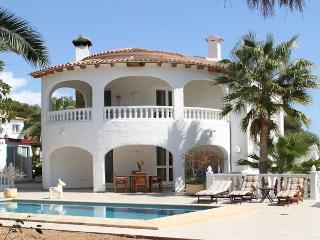 Villa Tres Palmeras, La Llobella