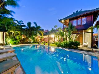 Luxury Family 6/8 Bedroom Villa Nr Beach - Sanur