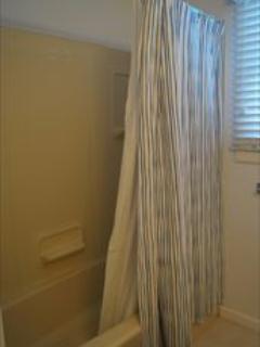 1st Floor Bath 2nd View