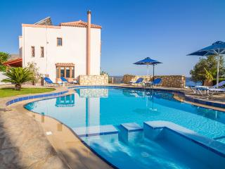 Villa Amalia with spectacular views of Souda Bay, Chania
