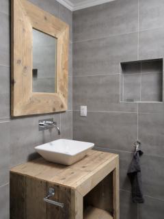 Villa Azure bathroom