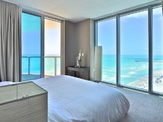 Solé - 2 bedroom apartment directly on the beach, Sunny Isles Beach