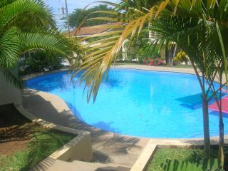 Amazing 2 Bedroom, 2 Bathroom Condo, Walking Dista, Playas del Coco