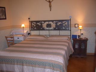Bella camera matrimoniale con giardino e bagno, Bolonia