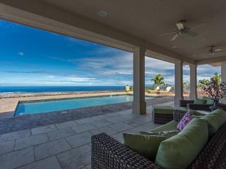 Spacious 4400 square foot, 4 bedroom, 4.5 bath Private Estate-PHAlahee, Kailua-Kona