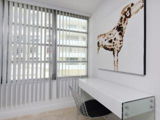 Chic 2 Bedroom Apartment on Miami Beach