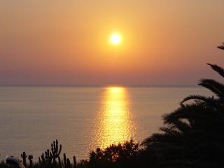 Villetta sulla baia di Makari a due passi dal mare