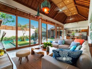 Villa Sanook Stunning 4brm Villa, Seminyak