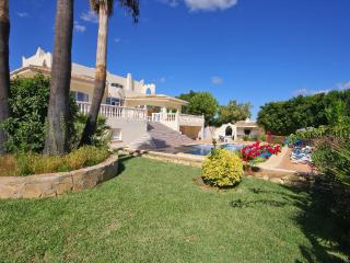 3 bedroom Villa with Pool and WiFi - 5620814