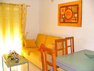 Yellow Hula Apartment, Olhos de Água, Albufeira