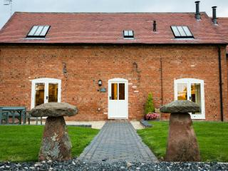 The Owletts Luxury Farm Cottage Hottub sleeps 5-7