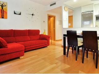 Apartamento amueblado equipado y con piscina. BCN, Barcelona