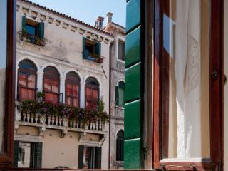 VISTA sul canale di SANT'ANTONIN nel sestiere di Castello, City of Venice