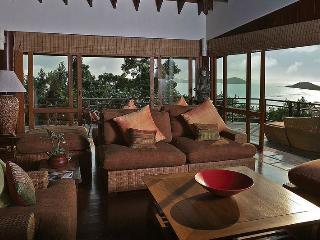 Elegant Villa with Soaring Ocean Views!, Koh Samui