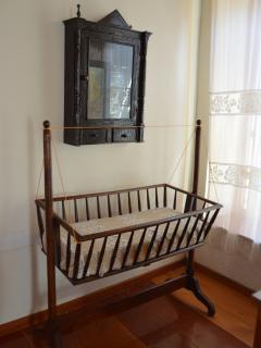 grand-grand mother's Persefoni baby crib!