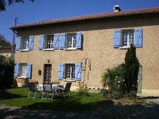 SPACIOUS 4 BED FARMHOUSE IN THE HAUTES PYRENEES, Trie-sur-Baise