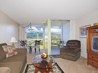 1-bedroom with full kitchen, washer & dryer, A/C, FREE WiFi  and parking!, Honolulu