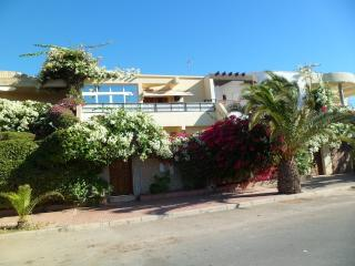 Beach Side 5 Bedrooms Luxurious Villa Ref: 1095, Agadir