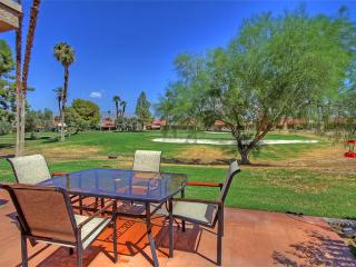 Palm Desert Resort-(PN581) Nicely Furnished on the Fairway!