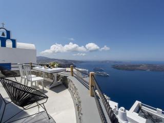 Santorini Windmill Honeymoon Villa 2037, Imerovigli