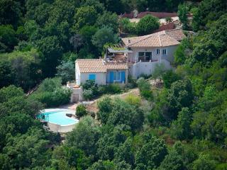 villa piscine vue mer sur propriété 3,4 hectares