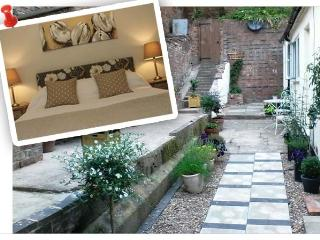 Romantic Cottage for Two  in Cheadle Staffordshire