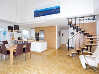 A Downtown Penthouse Apartment Beside the City Hall - 6054, Reykjavik
