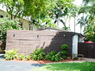 Fab & Cozy Oasis II Villa in FLL & Wilton Manors, Fort Lauderdale
