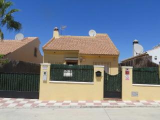 Villa in Malaga - Private pool, Parking & WifI, Fuente de Piedra
