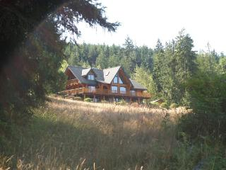Private Huge Log Lodge, Sequim