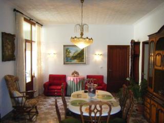 Casa espaciosa,en Centro , chimenea,gran jardín, Alcudia