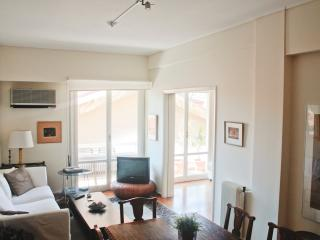 Apartment in the heart of Athens | beautiful view!, Atenas