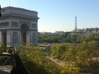 Luxury 2 Bdr 110m2 View Arc de Triomphe, Parijs