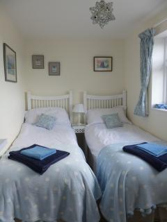 Twin bedroom overlooking the garden - can be configured as a double