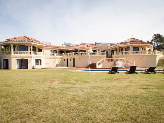 Breath-taking Oceanfront 4 Bedroom Home in José Ignacio, Manantiales