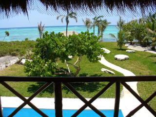 Beautiful beachfront Playa Belleza, Tulum