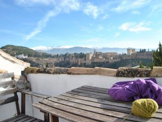 Apartment Albayzin, View to Alhambra, Granada