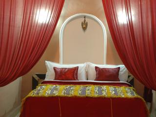 Red Romance room in private riad