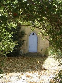 Entrée de la petite Chapelle de Castillou