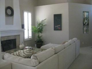 TWO BEDROOM + DEN VILLA ON EAST TRANCAS - V2GIE, Cathedral City