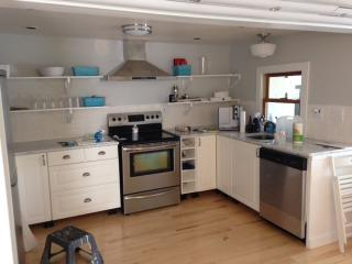 Newly Renovated Cottage on Lovely Spring-fed Lake, Mukwonago