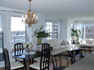 Gorgeous Luxury 2-Bedroom Condo + Indoor Parking!!, Longueuil