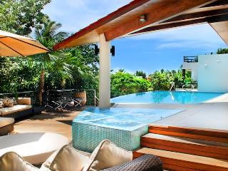Villa Kite House - Ideal for Couples and Families, Beautiful Pool and Beach