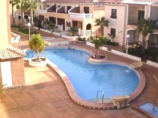 Superb 2 bed apartment with pool in Playa 3, Los Alcazares