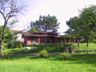 Holyday cottage in Comabbio, Mercallo